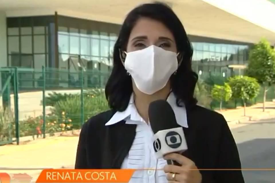 Renata Costa fazendo link