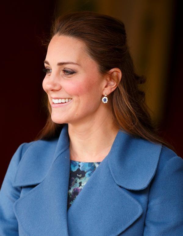 Kate Middleton usa versão editada dos brincos de Diana