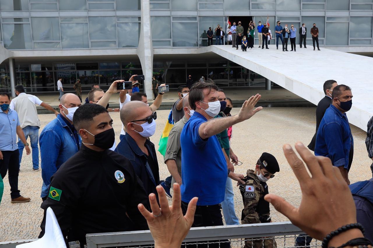 Jair Bolsonaro vai a ato na Esplanada