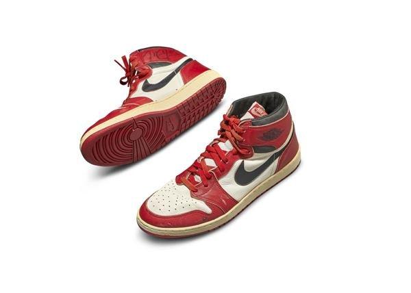 Tênis Nike Air Jordan 1