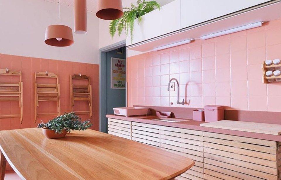 Cozinha do Liniker, projetada por Paulo Biacchi