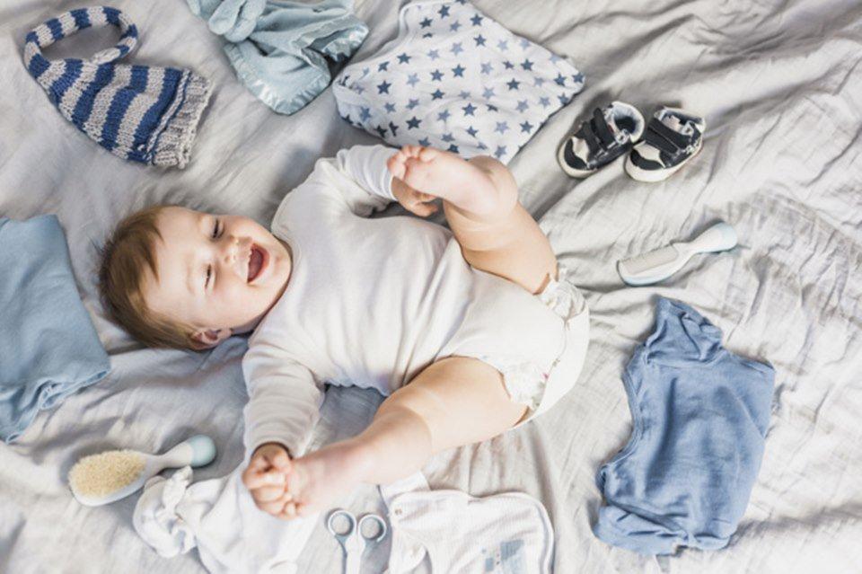 Guarda-roupa do bebê como organizar