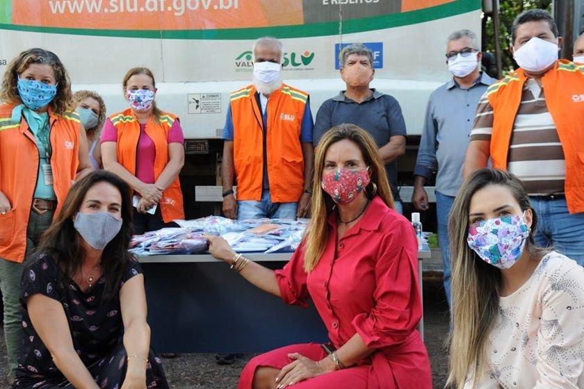 Ação de entrega de máscaras no SLU
