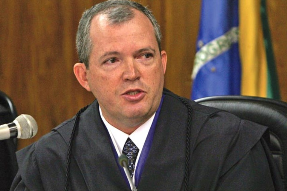 Ministro Walton Alencar