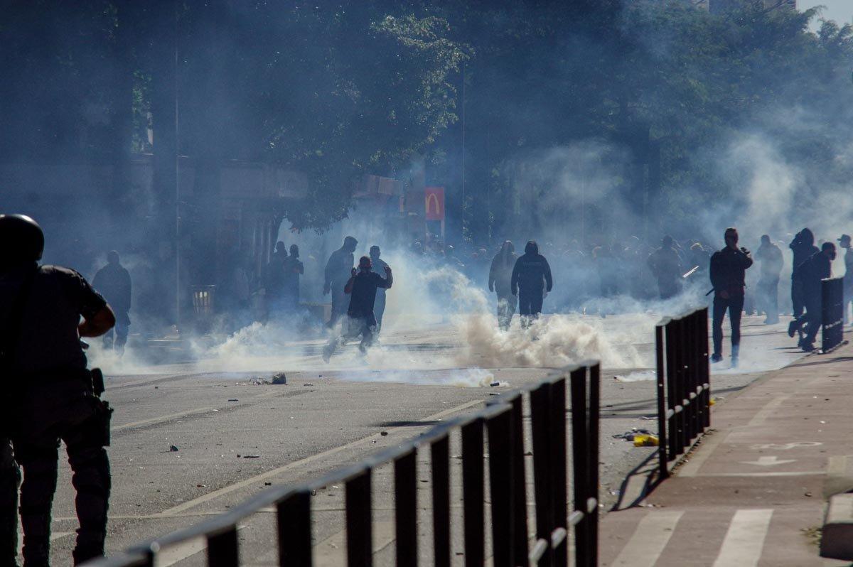 manifestantes entram em confronto com a polícia em SP