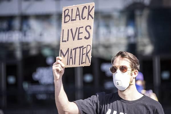 protesto contra o racismo e a truculência policial, depois da morte de George Floyd