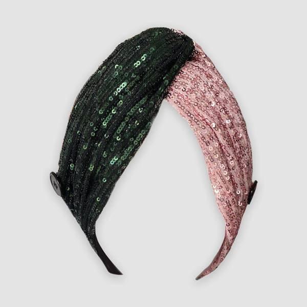 Turbante com paetês desenhado pela modelo Halima Aden para o projeto Banding Together