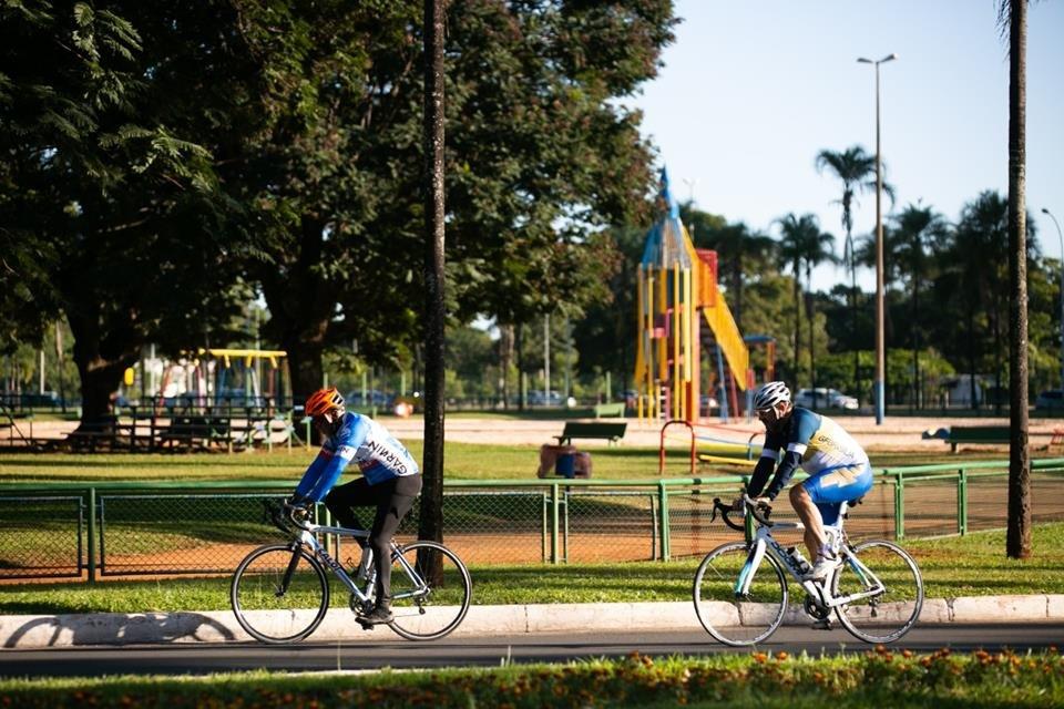 Dois ciclistas