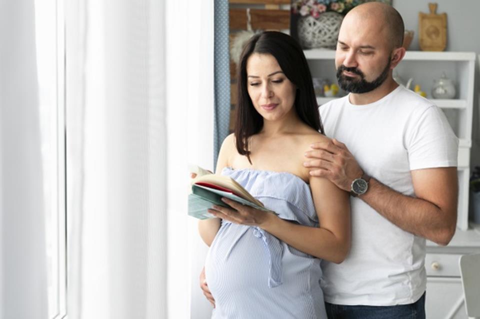 Pais escolhendo nomes de bebe