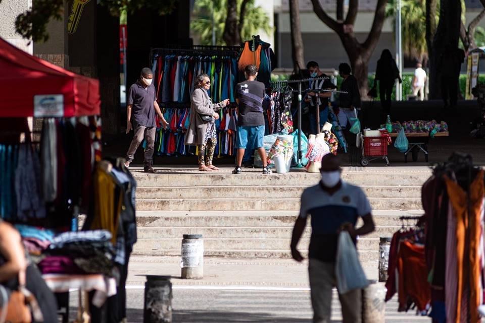 Movimentação de ambulantes no Setor Comercial Sul
