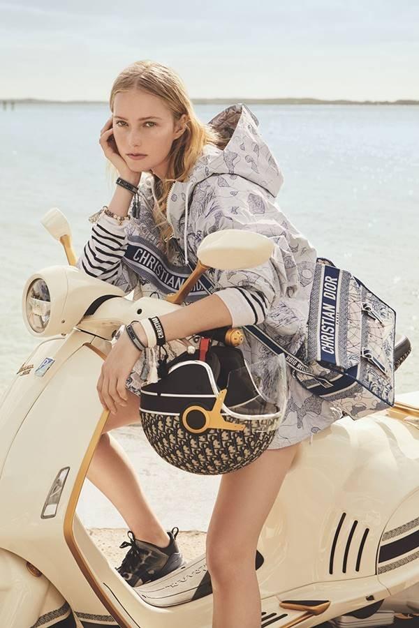 Colaboração da Dior com a Vespa