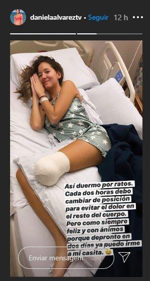 Daniella Alvarez deitada