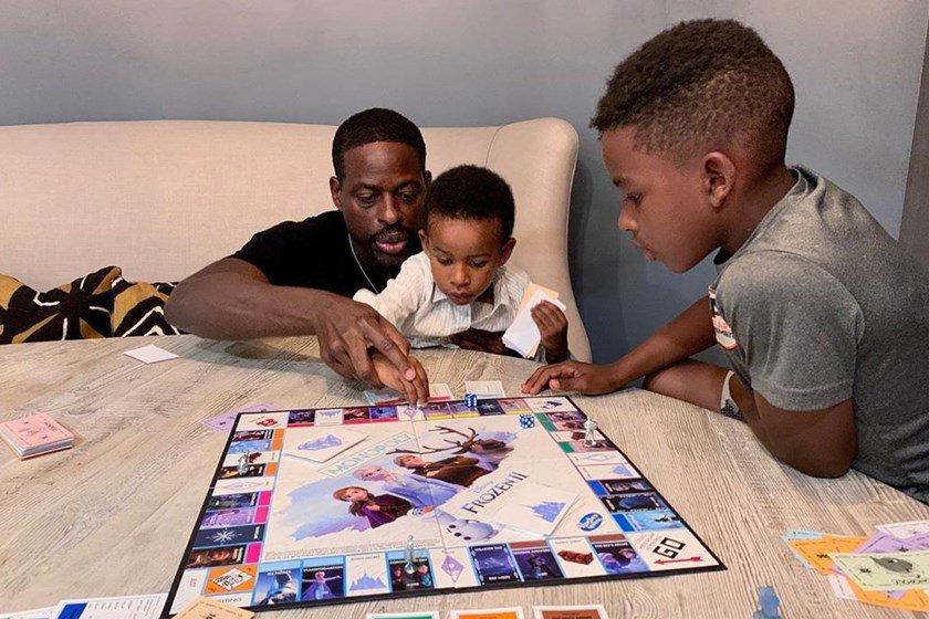 Sterling K. Brown e os filhos