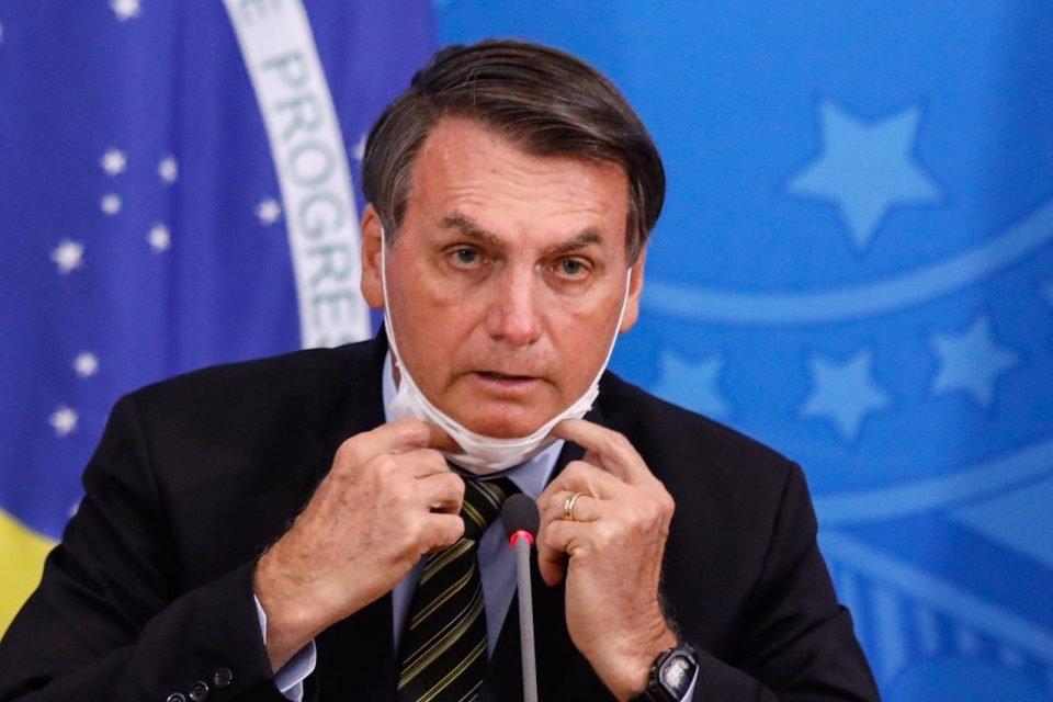 Justiça Federal obriga Bolsonaro a usar máscara
