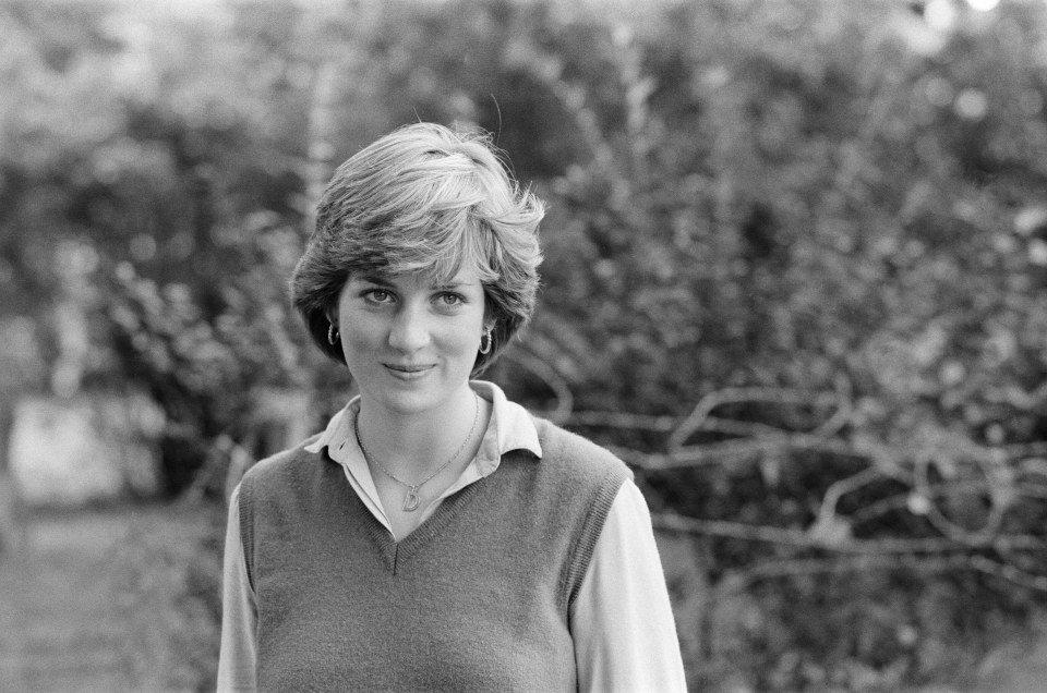 A primeira foto da princesa Diana. Em 1980, a imprensa descobriu que ela namorava o principe Charles