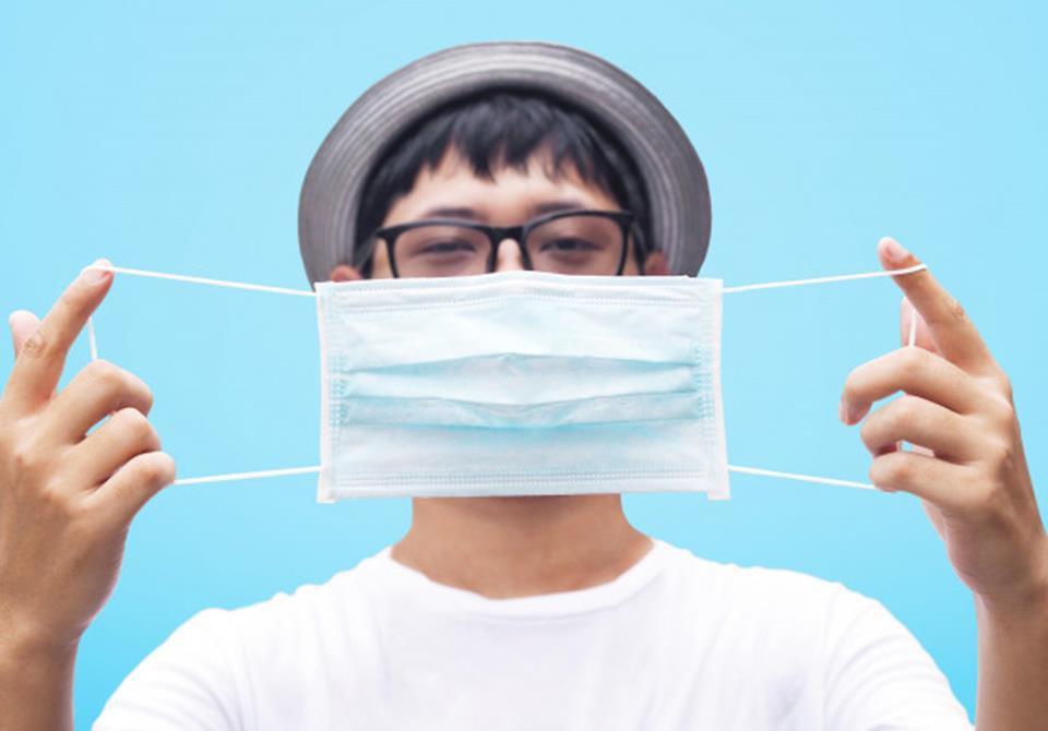 óculos embaçado com máscara