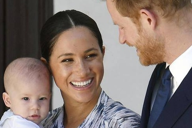 meghan-markle-com-harry-e-archie