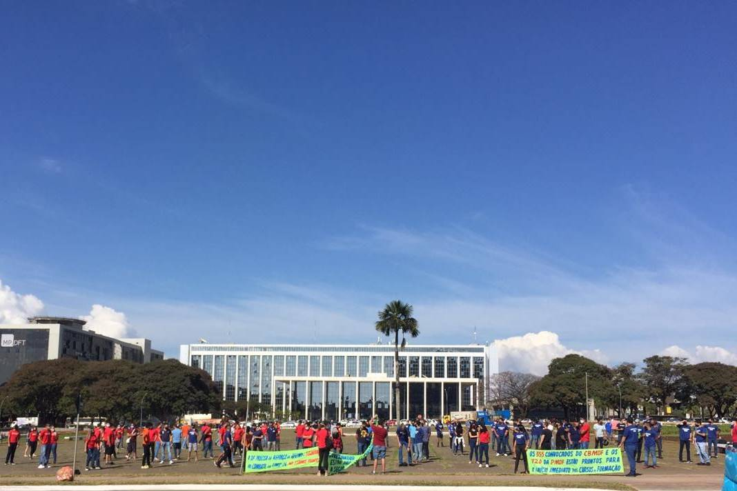 Manifestação em frente ao Palácio do Buriti