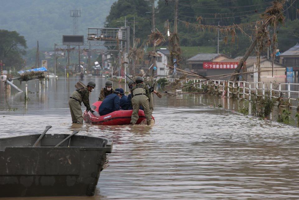 Chuvas fortes no oeste do Japão obrigam a retirada de 75 mil pessoas