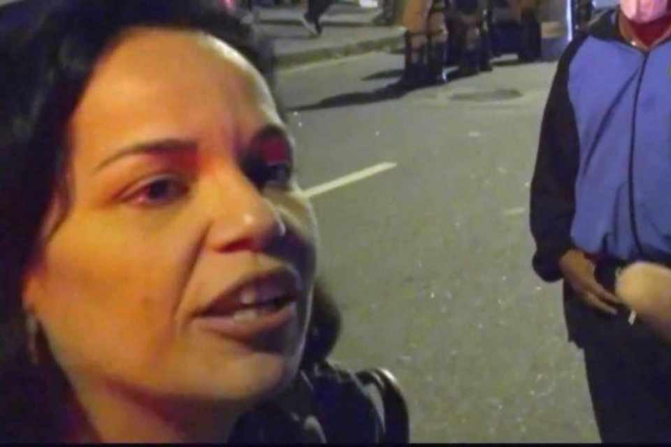 Mulher que insultou o superintendente da Vigilância Sanitária durante fiscalização no Rio de Janeiro