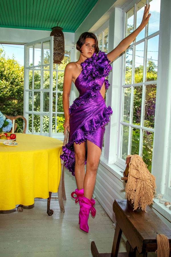 Modelo com look Alexandre Vauthier de haute couture outono/inverno 2020/21