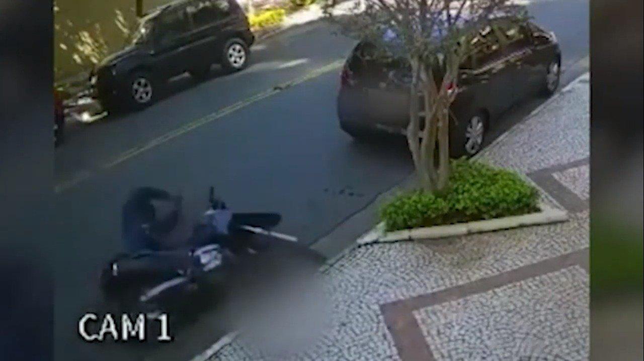 """Assaltante que fazia """"arrastão"""" é morto baleado por PM de folga em SP"""