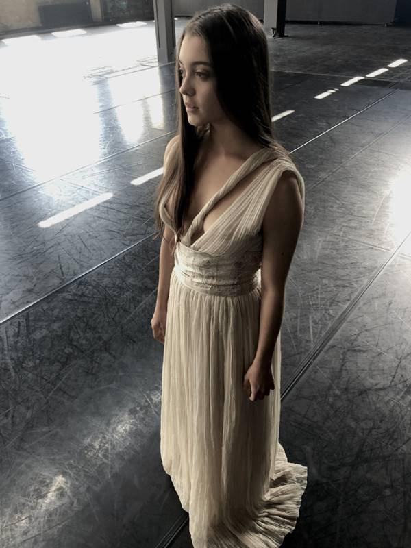 Modelo com vestido longo