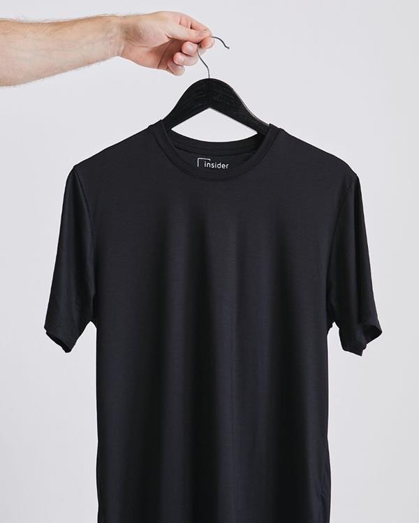 Camiseta com acabamento antiviral da marca Insider