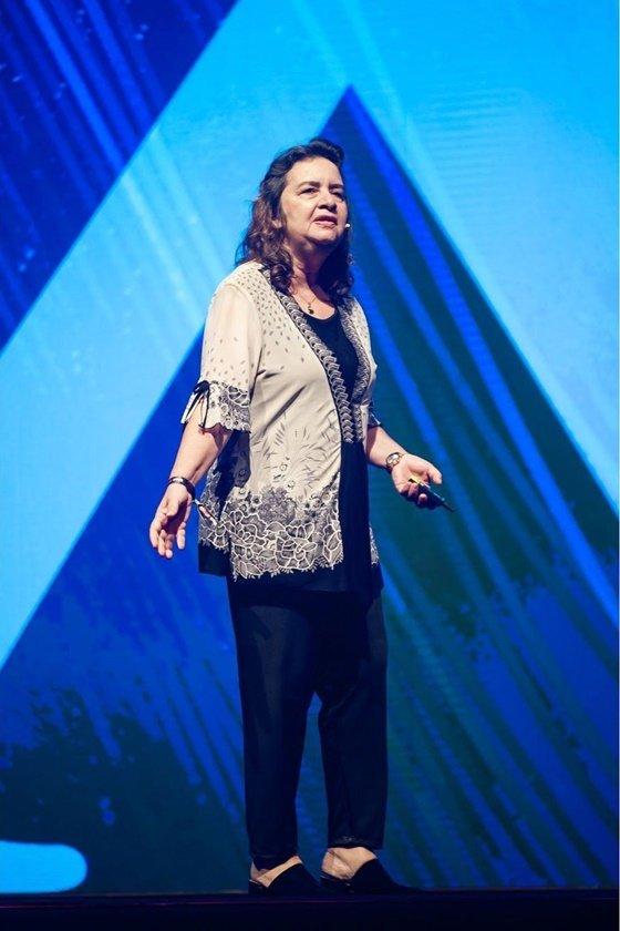 Professora Lúcia Helena Galvão