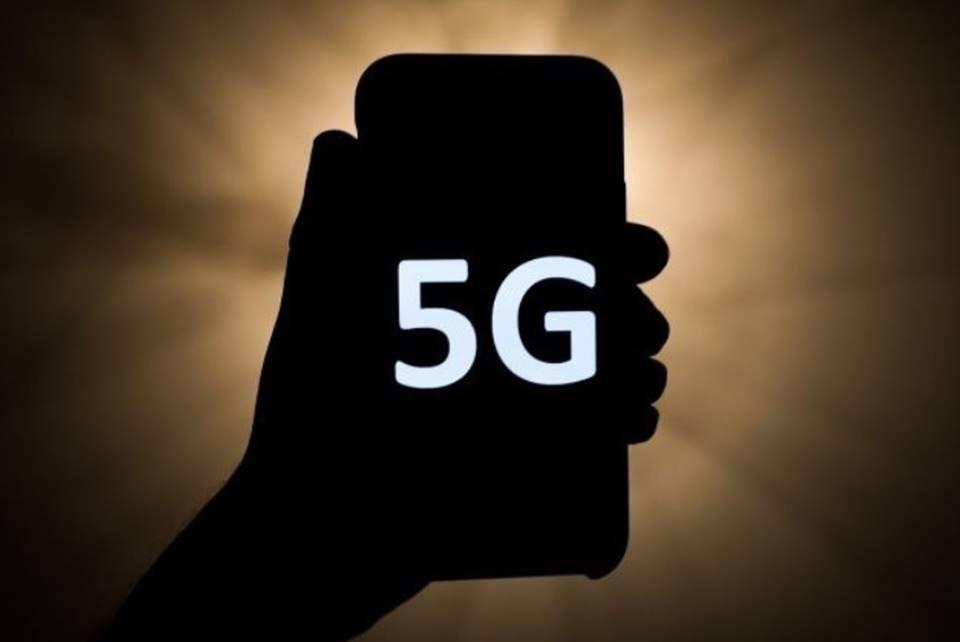 celular com a logo 5G