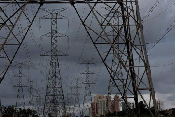Linhas de transmissão de energia no DF