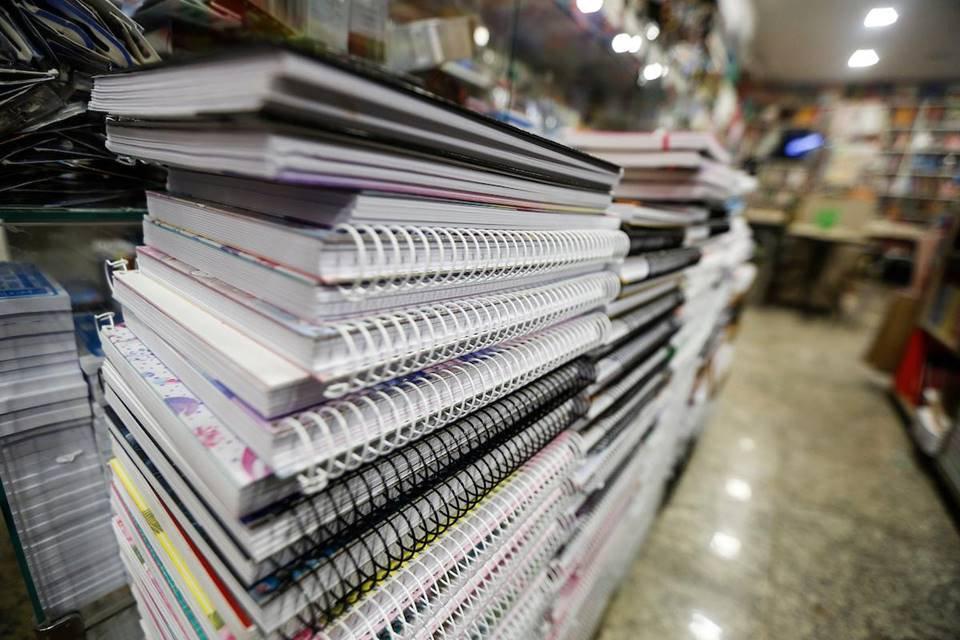 Cadernos e livros