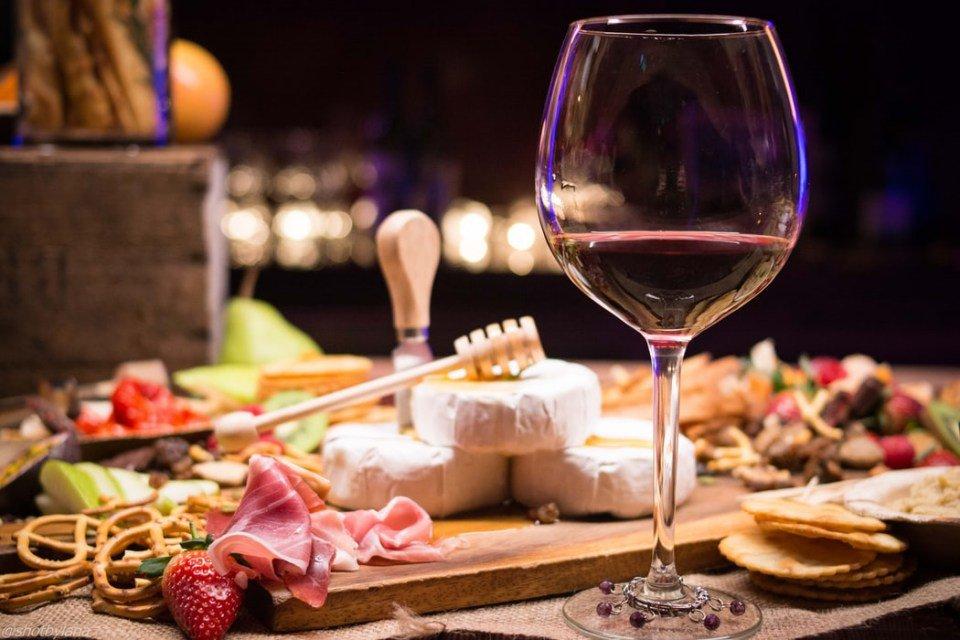 brie vinho e queijos