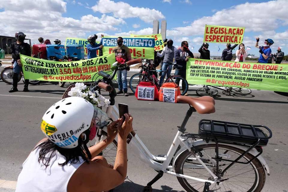 Motoboys participam de paralização nacional em Brasília
