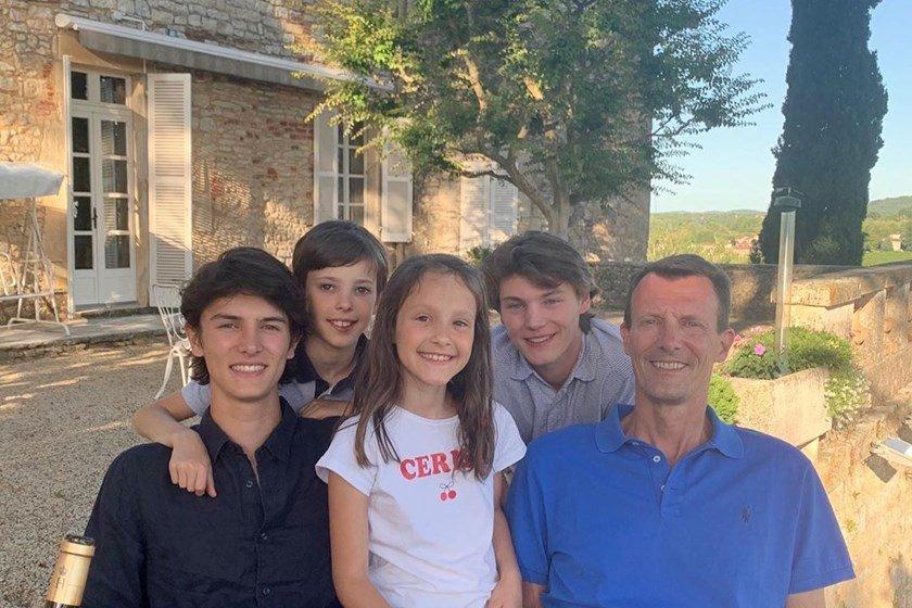 Príncipe Joachim da Dinamarca com os filhos