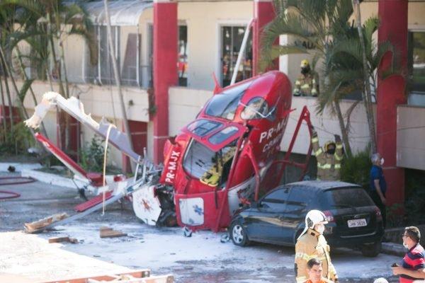 Queda de helicóptero dos bombeiros em Vicente Pires