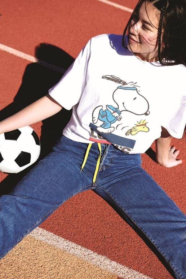 Campanha da Levi's com bola de futebol