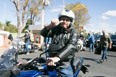 Jair Bolsonaro de moto