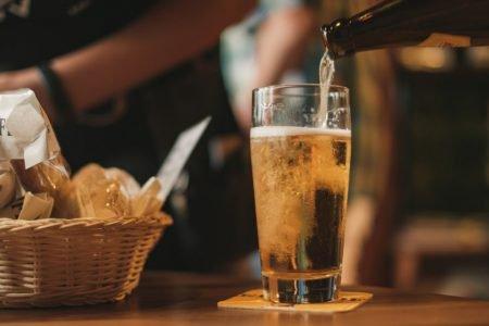 cerveja com petisco