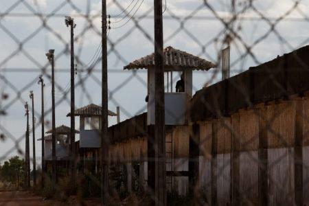 Presos vivem de cueca e enfrentam temperatura de 50º C nas celas em Roraima