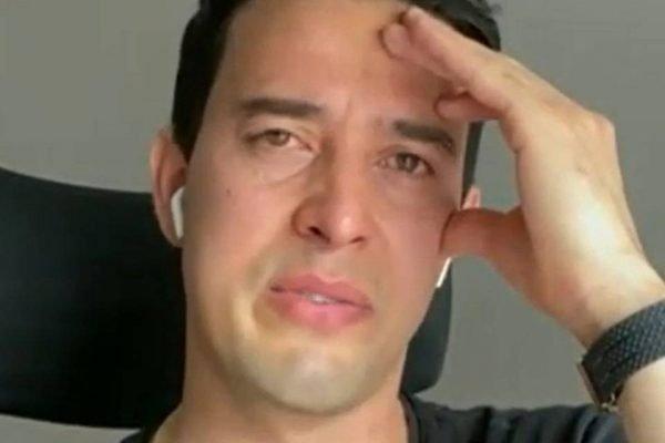 Thiago Salvático chorando