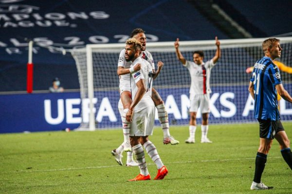 Neymar comemora gol