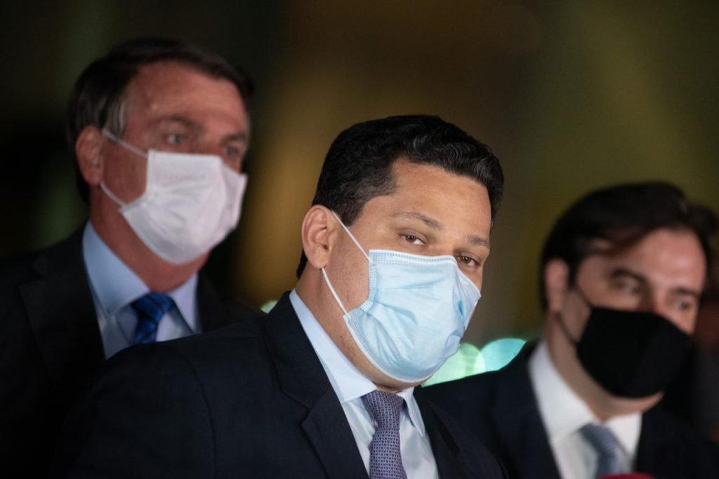 Jair Bolsonaro, Davi Alcolumbre e Rodrigo Maia em coletiva