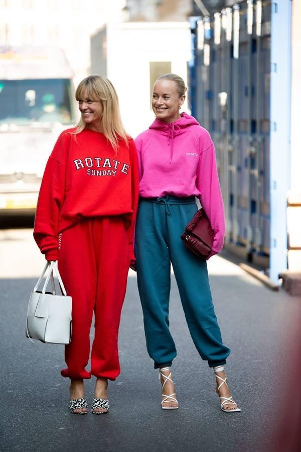 Mulheres com looks de moletom na Semana de Moda de Copenhague