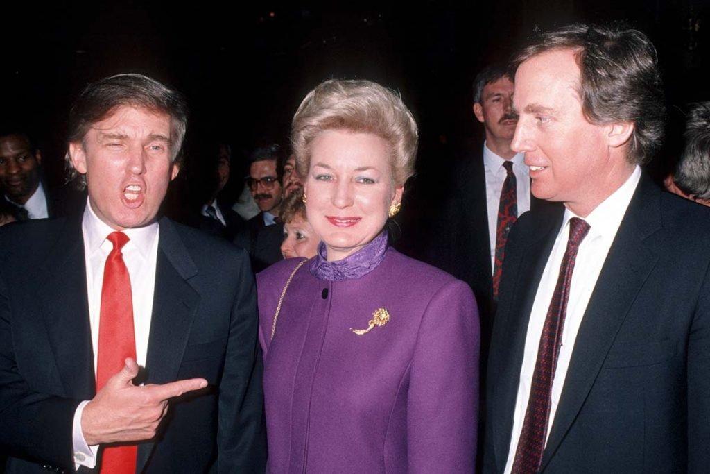 Maryanne Trump e Robert Trump durante a abertura do Taj Mahal Casino de Donald Trump - 5 de abril de 1990
