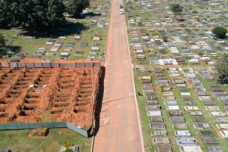 Novas covas no Cemitério de Taguatinga