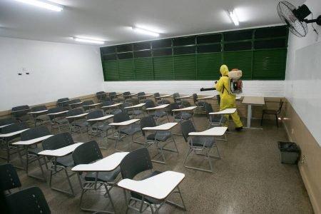 Higienização das escolas do DF para a retomada de aulas