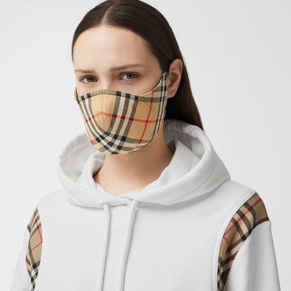 Mascara de luxo