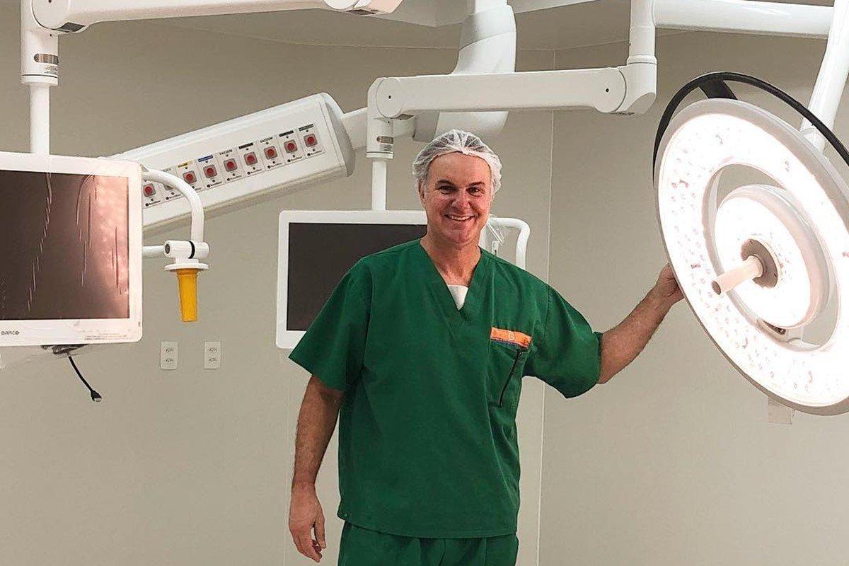 Cirurgião plástico Marcelo Mariano