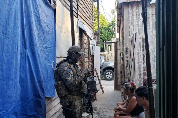Polícia Federal faz operação para evitar expansão do PCC no Rio